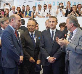 Paris Air Show: Emmanuel Macron visits Finaero's stand.